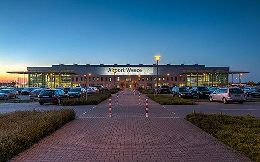 Flughafengebäude - Flughafen Weeze